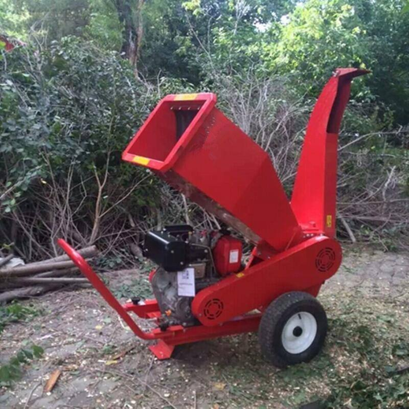 移动树枝粉碎机